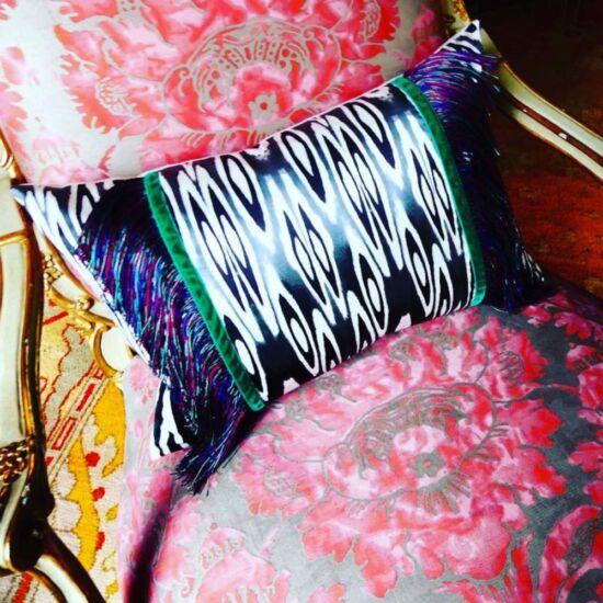 Prêt-à-porter Coco ikat black cushion