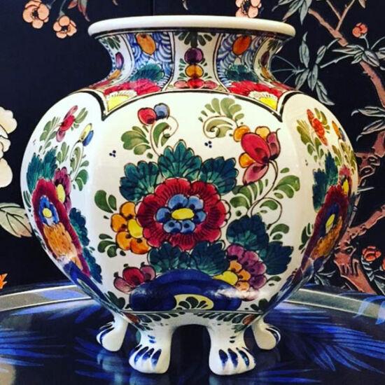 Delft Polychrome vase | Mariska Meijers Amsterdam
